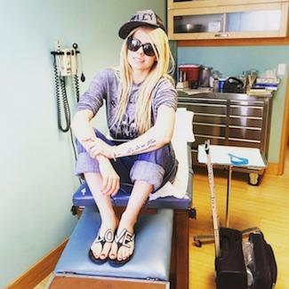 Pop Rock Singer Avril Lavigne Battles Lyme Disease