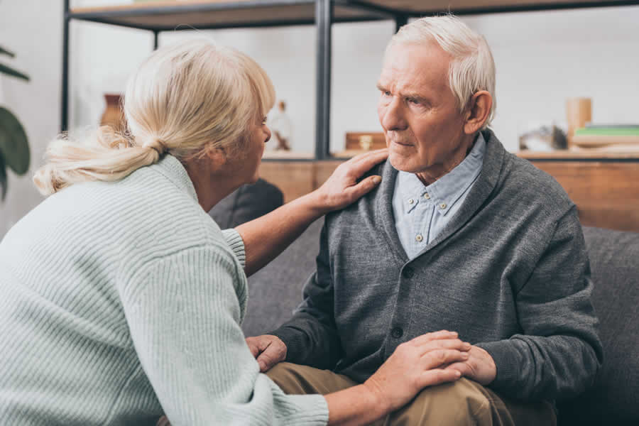 Elderly couples suffering from dementia. We offer alternative treatment for dementia
