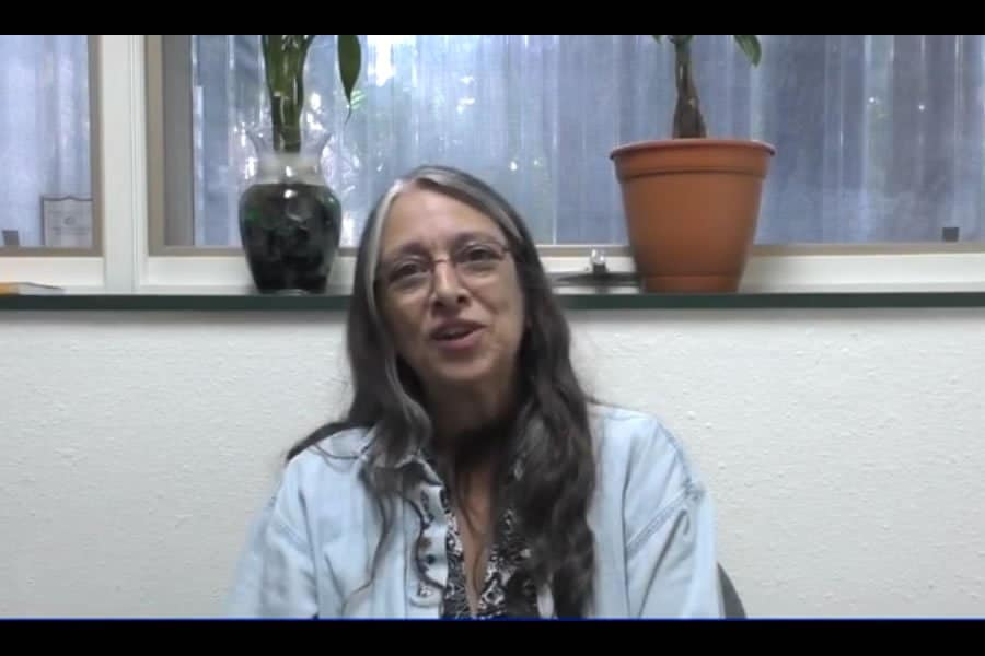 Our patient Denise talks about her root canal removal